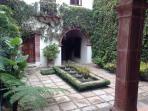 Casa San Dimas - Secret garden