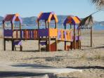 Playa del pinar, zona recreativa para niños.
