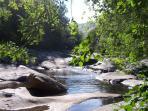 Rio Aravalle a su paso por La Carrera