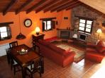 Salón casa El Palacio, complejo rural Valle de Bueida