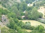 Vista general del entorno donde se situa la casa, verano