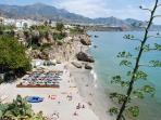 A 10 minutos de Nerja, famosa por sus bellas playas.