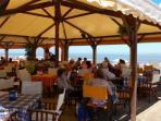 Chiringuito de playa en Sanlucar, donde se encuentra 5 de ellos, uno mas moderno, gente joven+ y Dj.