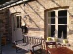 The terrace, with plenty of sun for relaxing, reading and BBQs