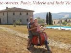 The owners of the villa: Paola Valerio and little Viola