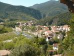 Rive la plus ensoleillée d'Amélie les bains où se situe la Résidence le Catalogne