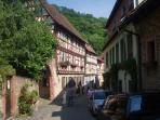 Weinheimer Altstadt - Badische Bergstraße, Zweiburgenstadt (ca. 20 km von der Ferienwohnung)