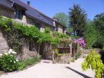 Landscaped garden to entrance of La Vigne