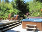 Cedar Shack Private Hot Tub, Deck and BBQ surrounded by natural vegetation and complete privacy