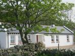 Mia's Cottage, Clonmany, Co Donegal, Traditional  Irish Cottage