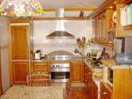 Cocina: totlmente equipada, muy amplia: 16 m2