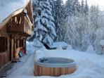 Marmotte Mountain Retreat Jacuzzi