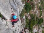 Practica de escalada en la sierra de Villaharta
