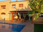 Castell de Peralta, casa rural con piscina