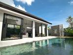 Pool and maiun View 2