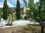 holiday rental in Provence 4-8 persons with private heated swimming pool, free WIFI, BBQ