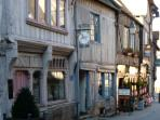 Antique shops in Bernay