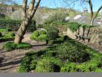 Inside Dunbar's Close gardens