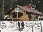 Stoykite Ski Hire Hut