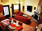 LIVING ROOM WITH FIREPLACE, SATELITE T.V. FREE INTERNET ACCESS !!!