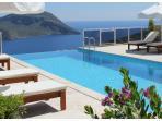 Infinity pool with Mountain and Horizon views