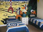 Twin bedded 'Tin Tin' room,flat screen cable tv+ DVD player,en suite and pool view