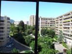 La vue de la loggia et de la chambre double côté colline double vitrage très calme