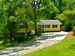Newly Renovated S Lake Cottage with Pontoon Rental