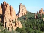 PIKES PEAK COTTAGE BY GARDEN OF THE GODS