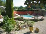La Gouiranne, cour-piscine.jpg