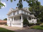 The Memory Manor - Huge Beautiful Victorian Home