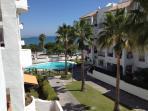 piscina y bahia de cadiz desde la terraza