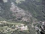 Vue aérienne du gite réalisée  en ULM. Découverte des Cévennes en ULM organisée par votre hôte.