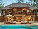 THE VILLA: THE GILI BEACH RESORT