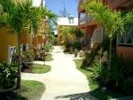 Ajoupa  garden path