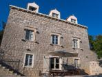 Old stone villa wonderfully restored; exclusive location