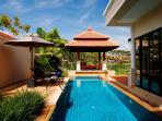 Pool & Sala View