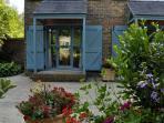 The front door of Pippins