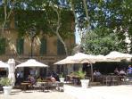 Restaurant terrasse in the warmer months