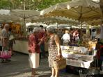 Catching up with the gossips at Uzes market!
