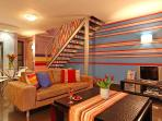 Adderley J15 is a funky open-plan 1-bedroom apartment in the historic heart of Cape Town