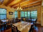 Dining and eating areas for 26