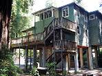 Monte Rio Treehouse, Three story home, Wifi, Dog Friendly