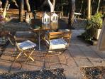 Il tavolo in giardino