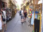 tourist shoping in old town- 5 minutes