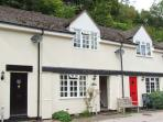WYE VALLEY COTTAGE, lovely riverside location, pets welcome, off road parking, i