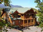 Falling Stars View, Game Room, Unlimited DVD Rentals, Sleeps 12, Dogs OK
