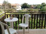Balcone con vista sulla città di Catania e sul mare