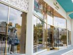 Upscale shopping in Highland Village