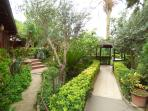 A maze of gardens!